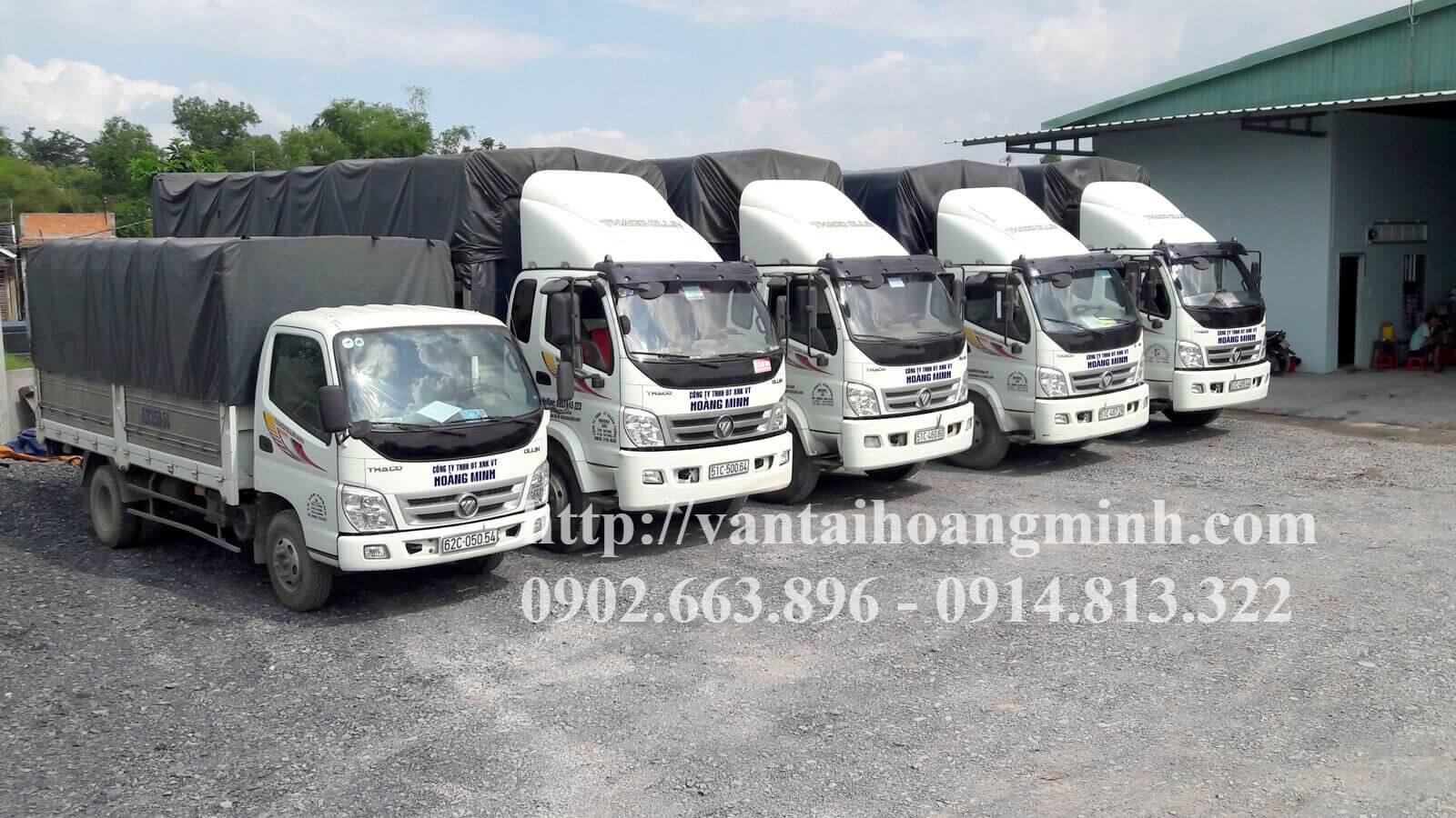 xe tải chở hàng tiêu dùng thực phẩm