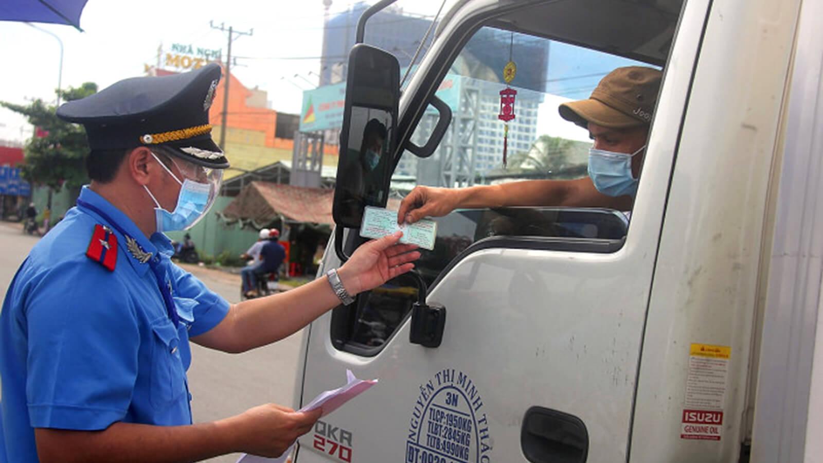 hỗ trợ xe tải chở hàng hoá lưu thông kịp thời và đúng quy định