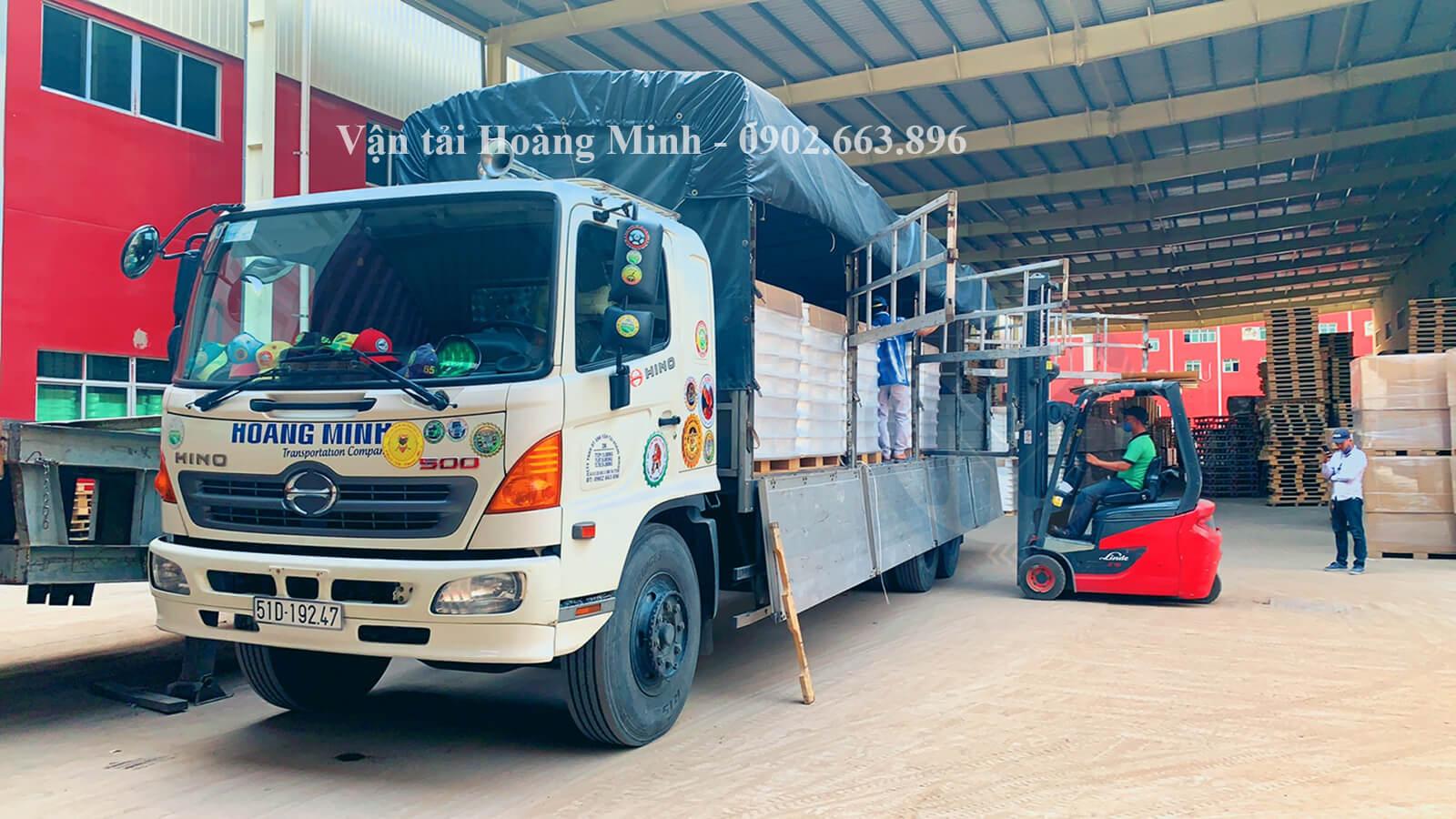 Loại xe tải chở hàng Vận tải Hoàng Minh đang cung cấp